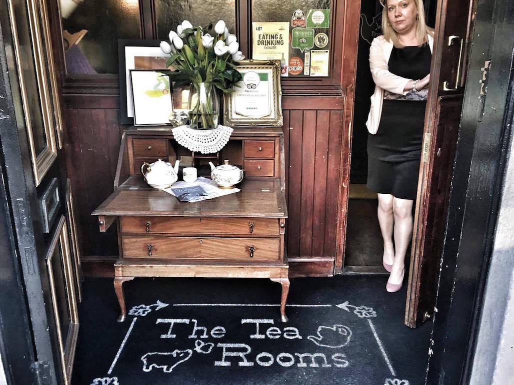 flying-pig-tearoom-glasgow