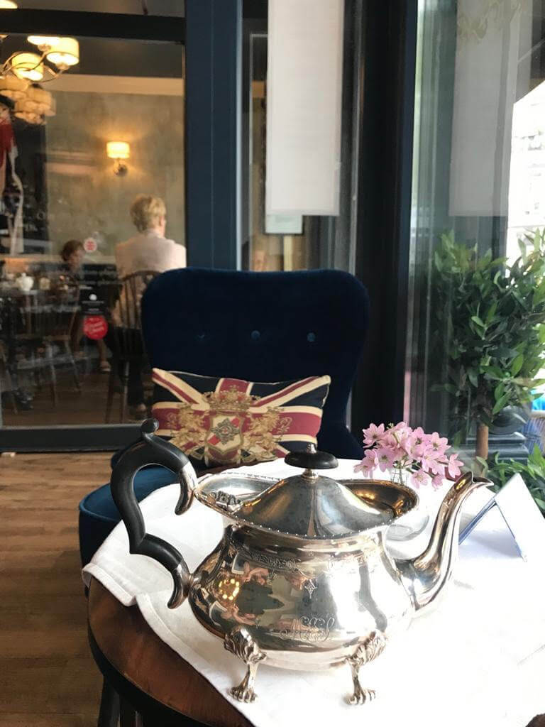 eaton place englisches cafe hamburg