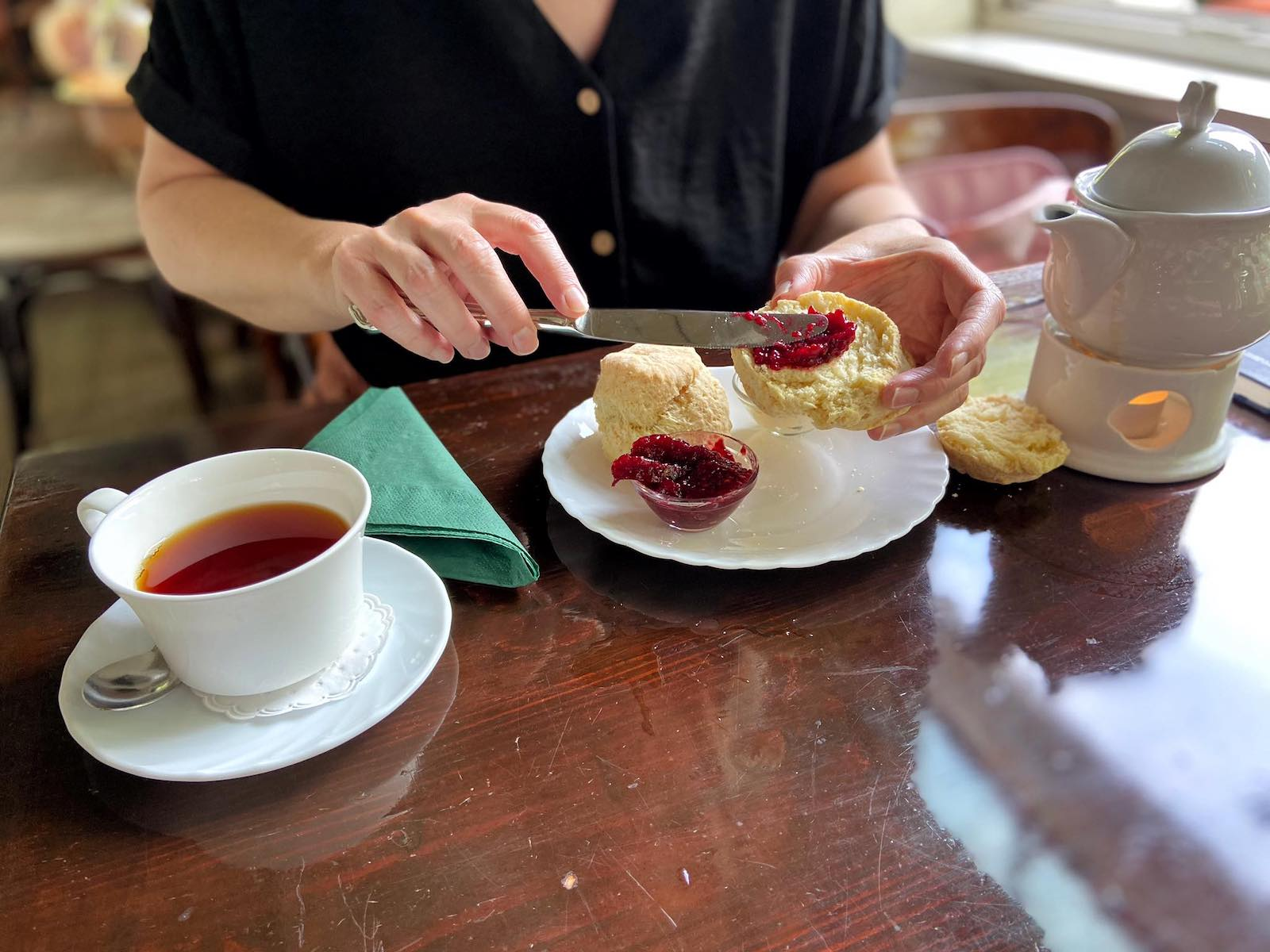 cream tea in hamburg
