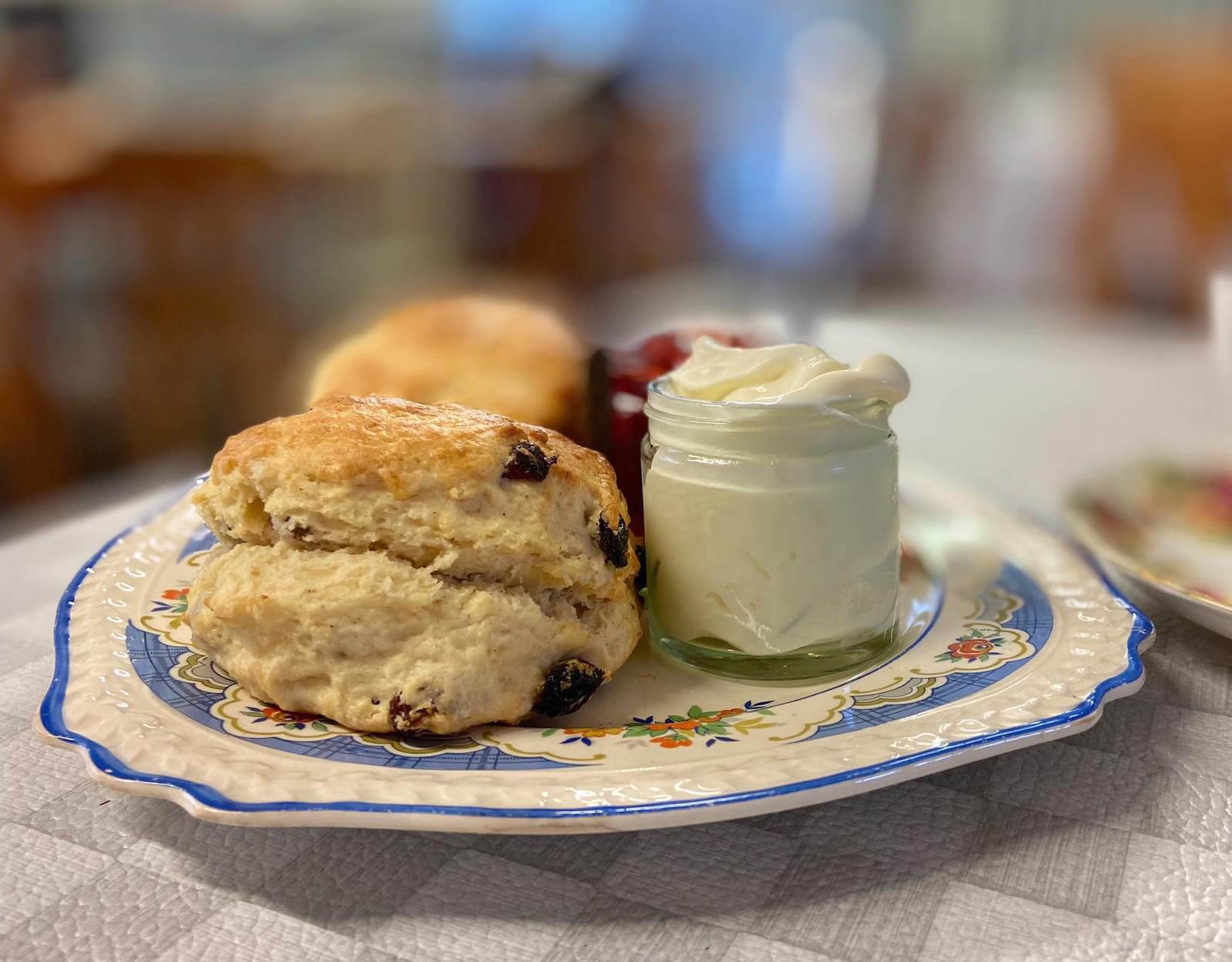 scones fruit scone mit clotted cream